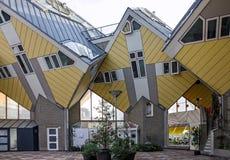 Kubhus eller Kubuswoningen i holländare är en uppsättning av innovativt ho Arkivbild