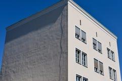 Kubikkontorsbyggnad arkivfoto