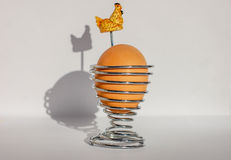 kubki tła srebra śniadanie spirali brown chicken gotowane jajko obraz studio odizolowane white Wizerunek odizolowywający na biały Obraz Royalty Free