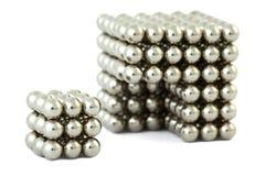 Kubus die van magnetische ballen zonder knipsel wordt geassembleerd Royalty-vrije Stock Fotografie