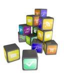 Kubussen met de pictogrammen van de kleurentoepassing Stock Foto's