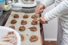 Kucbarscy kształtuje surowi ciastka Zdjęcia Stock