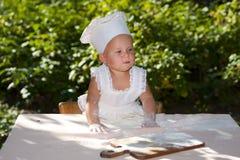 kucharz przygotowywający Obrazy Stock