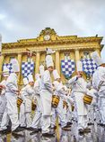 Kucharzi bębni przy Tamborrada bęben parada świętowali Patronackiego lajkonika San Sebastian, Hiszpania obrazy royalty free