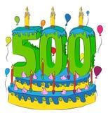 Kuchen des Geburtstags-500 mit Nr. fünfhundert leuchten durch und feiern fünf Hundertstel Jahr Leben, bunte Ballone und Schokolad stock abbildung