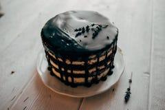Kuchen in einem Süßwarenladen stockbild