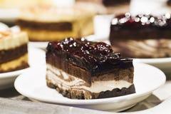 Kuchen in einer Platte Lizenzfreie Stockfotos