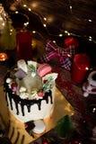 Kuchen für Weihnachten und Winterurlaube Eingestellt mit Weihnachtsdekor stockfoto