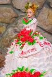 Kuchen in Form einer Prinzessin im Kleid Stockbilder