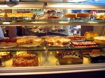 Kuchen im Patisserie in Deutschland Lizenzfreie Stockfotos