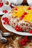 Kuchen mit Aprikosen Stockfotografie