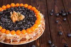 Kuchen mit Beeren Stockfoto