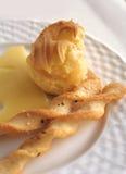 Kuchen mit Butter Stockfoto