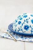 Kuchen mit gemalten Blumen Stockbilder