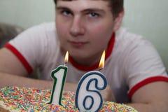 Kuchen mit Kerzen Stockfoto