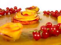 Kuchen mit Pfirsichen Stockfotografie