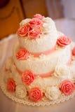 Kuchen mit rosafarbenen Rosen Stockfotos