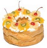 Kuchen mit Sahne und Früchten Lizenzfreies Stockbild