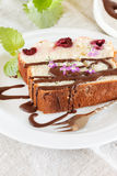 Kuchen mit Schokolade stockbild