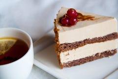 Kuchen mit Tee Stockfoto