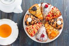Kuchen mit verschiedenen Füllungen Stockbilder
