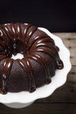 Kuchen-Scheibe Schokolade Ganache Bundt Lizenzfreie Stockbilder