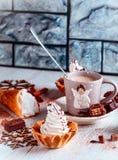 Kuchen und Kaffee Stockfotografie