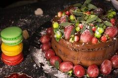 Kuchen und Makronen stockfotografie