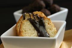 Kuchen und Trüffeln Stockfoto