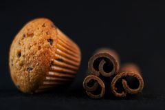 Kuchen und Zimt Stockbild