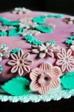 Kuchenauslegung, Detail des rosa Kuchens Stockbilder