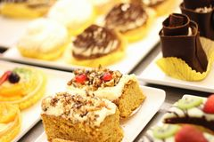 Kuchenauswahl auf Anzeige Lizenzfreies Stockbild