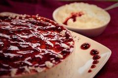 Kuchennachtischtorte lizenzfreies stockbild