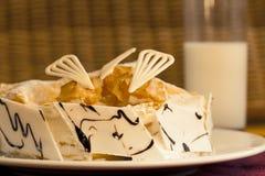 Kuchennachtischtorte stockfotografie