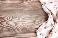 Kuchennego ręcznika płótno na drewnianym tle zdjęcia stock