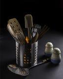 Kuchenni naczynia w kruszcowym zbiorniku Obrazy Royalty Free