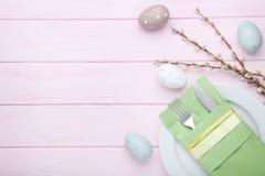 Kuchenny cutlery z Easter jajkami Obrazy Stock