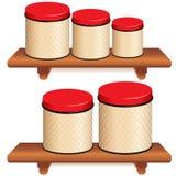 Kuchenny kanister Ustawiający na drewnianych półkach Zdjęcia Royalty Free