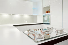 kuchenny nowożytny biel Zdjęcie Royalty Free