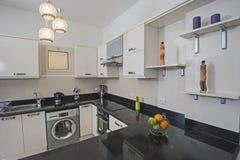 Kuchenny teren w luksusowym mieszkaniu Zdjęcie Stock