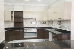 Kuchenny teren w luksusowym mieszkaniu Zdjęcia Stock