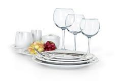 Kuchenny ustawiający filiżanki, talerze i słoje, Zdjęcia Stock