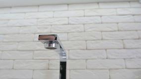 Kuchenny zlew i faucet zdjęcie wideo