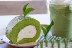 Kuchenrolle des grünen Tees mit matcha grünem Tee Stockfoto