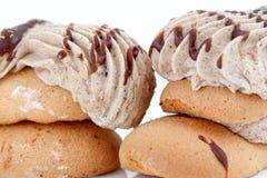 Kuchenstücke Schokoladen- und Vanillefüllung Lizenzfreies Stockbild