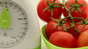 Kuchni skala z pomidorami zdjęcie wideo