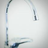 Kuchni wodny kruszcowy błyszczący faucet z klapą Obraz Royalty Free