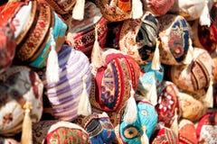 Kuddar och mattor shoppar Royaltyfri Bild