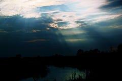 Kudma-Fluss, Druzhny-Dorf, Nizhny Novgorod-Region, Russland, Fr?hling lizenzfreies stockfoto