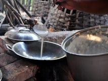 Kue Apem I dolci hanno fatto dalla farina di riso ed hanno un favo come struttura fotografia stock libera da diritti